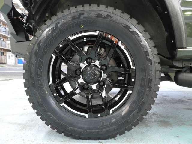 Wedsマッドヴァンス16インチアルミ TOYOオープンカントリーR/T 215/70R16タイヤ