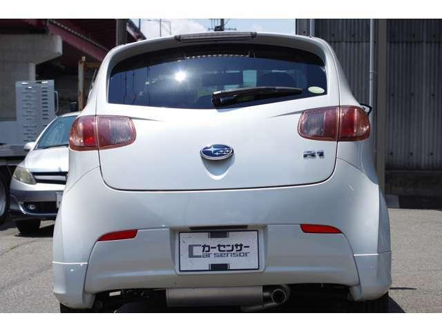 新しく入庫いたしました!当社自慢のお車です。横にこの車のセールスポイントを、写真と説明でアピールしてあります!まずはご覧になってください。いろんなところをチェックできますよ。