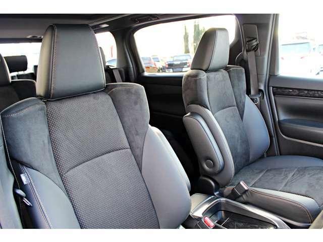 特別仕様車限定のウルトラスエードと合成皮革を組み合わせた高級感あるシート♪♪お洒落なステッチでより一層高級感を引き立てます★