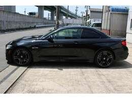 BMW M4 カブリオレ/コンバーチブルのルーフには、4シリーズ・カブリオレ(F33)と同じく3分割のフルオート・リトラクタブルライト・ハードトップを採用!