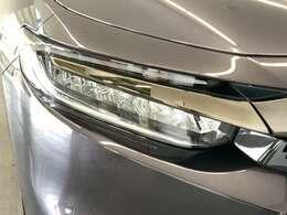 HIDより省電力のLEDライトが装着されています。点灯忘れも防止できるオートライトコントロール機能がついているので、夜間のドライブもより安全に楽しめますよ。