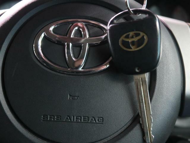 ●リモコンキー『鍵を挿さずにポケットに入れたままでも鍵の開閉が行えます。』
