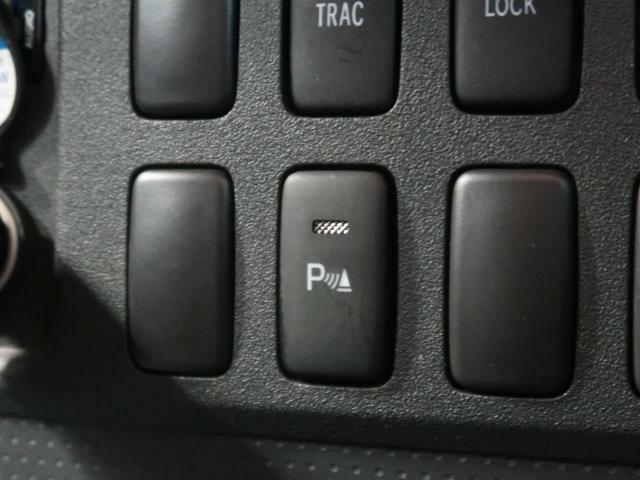 ●リアソナー【バンパーに配置したセンサーが障害物との距離を検知し、アラーム音で知らせます】運転が苦手な方にもぴったり♪