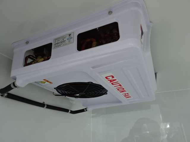 薄型エバポレーターで庫内広々 東洋ブラザー製の50mm箱で庫内広々!(100mmも別注でオーダー出来ます) 自社にて製作してますので、仕様等ご相談ください!