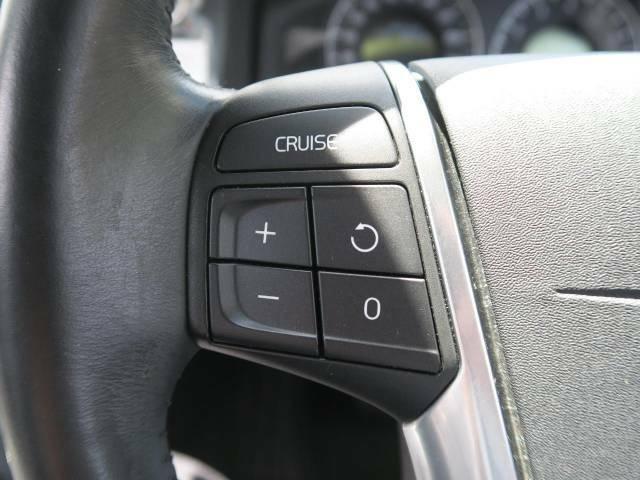 ?クルーズコントロール『高速道路で便利な【クルーズコントロール】も装備!アクセルを離しても一定速度で走行ができる装備です。加速減速もスイッチ操作でできますので、高速道路でのお出かけもらくらくです♪』