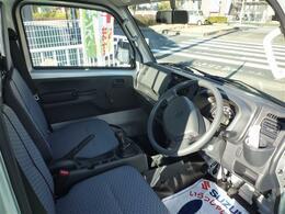 最新モデルWエアバッグ&ABS付の届出済未使用車です。
