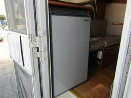 90L冷蔵庫搭載♪
