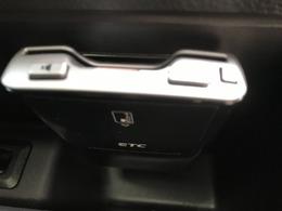高速道路の必需品。ETCは運転席の足元に装備しています。