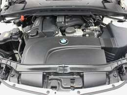 綺麗なエンジンルームです。2000ccエンジン☆エンジンは高回転までしっかり吹け上がり、アイドリングも一定となっております。非常に良好です。■走行管理システムもチェック済みとなっております!