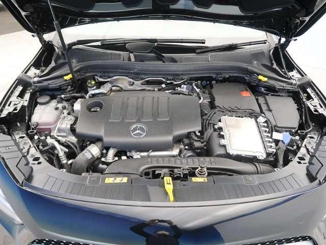 ●エンジンルーム『入庫時の状態もとても良く、エンジン機関も良好!ぜひ一度現車を御覧下さい!他にも多数の在庫を展示!』