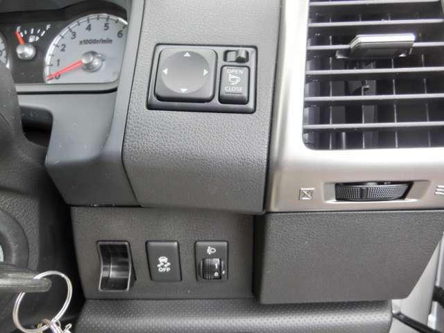 電格ドアミラー、横滑り防止、ヘッドライトレベライザー。