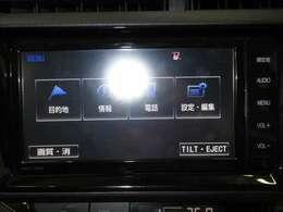 純正のSDナビ搭載です。ミュージックサーバー付きで音楽も録音できますし、初めての場所でも安心ですね。