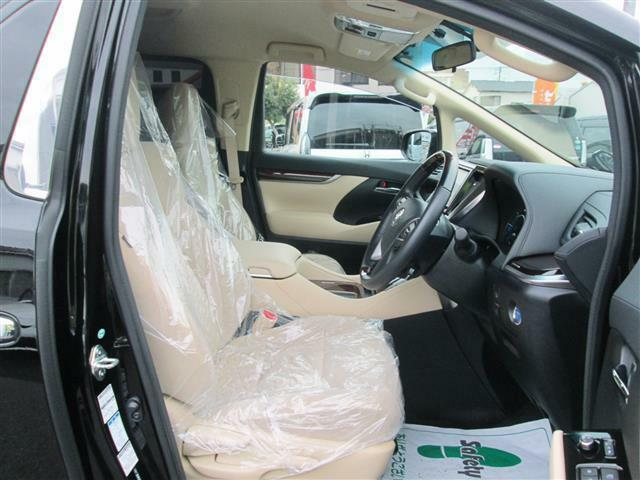 ◎運転席もゆったりスペースですね!!