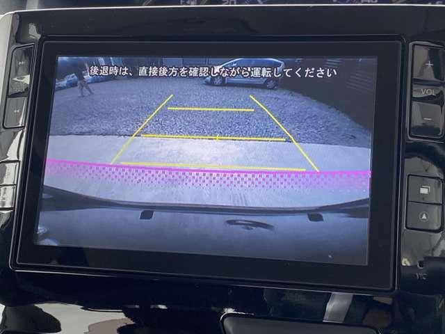ガイドライン付きのバックカメラですので、駐車が苦手な方も安心です♪