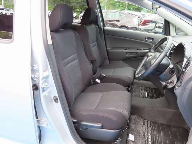 運転席周りはこんな感じ!内装の状態やシートの座り心地などぜひ直接ご確認ください!