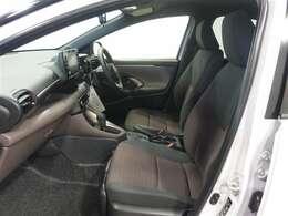 フロントシートは、長距離や長時間運転しても疲れにくく乗り心地よく快適に過ごせますよ。