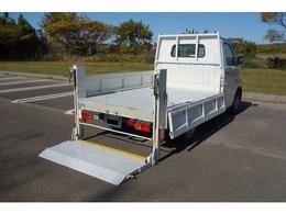 トヨタ タウンエーストラック 1.5 DX シングルジャストロー 三方開 4WD 垂直パワーゲート ナビ TV
