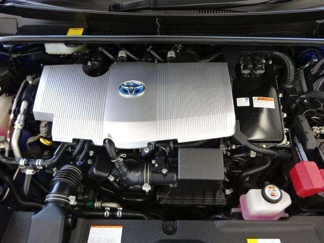 アイドリングストップ機構搭載!エンジンとモーターが協調して走る先進のハイブリッドシステム。地球環境に優しいパワーユニットです!