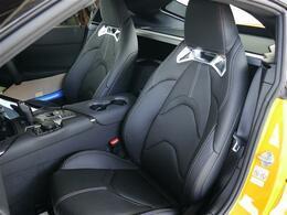 メーカーオプションのブラック本革シート・冬はポカポカヌクヌクシートヒーター・8ウェィパワーシートで最適なドライビングポジションGETです!