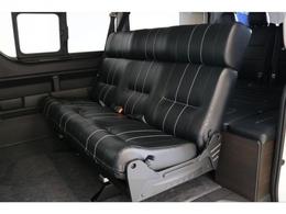 1400mmの大型ベンチシートを搭載したオリジナル内装架装「アレンジAS」当店の人気内装架装です!!!!