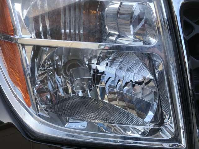 ヘッドライトも年式の割には綺麗ですね!磨いてからご納車します!