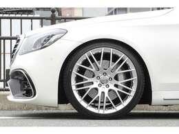 ■新品カールソン21インチホイールを装着しております!タイヤも新品です!■ローダウンも施工済です!■キャリパー塗装や低ダストブレーキパッド等もお気軽にご相談下さいませ!■