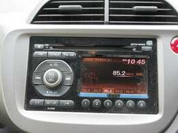 純正CDオーディオ装備♪長距離ドライブや旅行に欠かせない装備ですよ☆