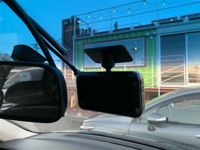 ドライブレコーダー☆最近付けるお客様が多くなってきました☆何かがあった時の為にそなえておけます☆
