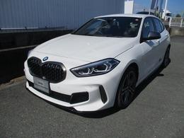 BMW 1シリーズ M135i xドライブ 4WD デビューパッケージ Mスポーツシート