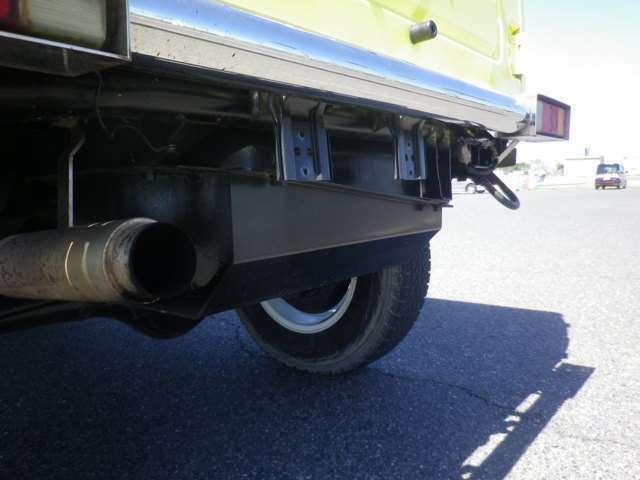 入庫後EGオーバーホール・5速MT・修復事故歴無・車検R4年1月・イエロー/白ツートン・社外アルミ・リフトUP・社外バンパー・オーバーフェンダー・HDDナビ・ヴィンテージ調シートカバー