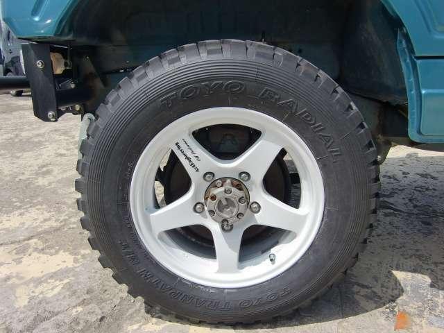 新品タイヤ、ホイール装着