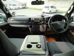 別途費用でナビ・ETC・ドライブレコーダー・バックカメラなど取り付け後、納車できます。