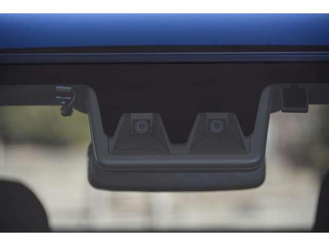 スマートアシスト搭載!衝突回避支援ブレーキ機能、衝突警報機能、車線逸脱警報機能、車線逸脱抑制制御機能、ブレーキ制御付誤発進抑制機能、先行車発進お知らせ機能、標識認識機能、ADB、ACC、LKC付き^^