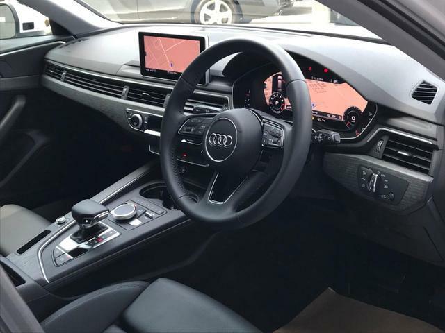 LEDヘッドライト…Audiの誇るライティング技術でエレガントな雰囲気と、視認性の高い高品質ヘッドライトです。