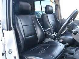 運転席もキレイに保たれております☆シートカバー付いてます☆
