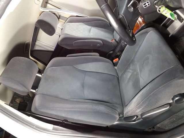 広々とした車内!アイポイントも高く、とても運転しやすいです!シートの座り心地も良いです♪