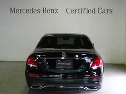 メルセデスの認定中古車「サーティファイドカー」では、万一お車が故障した場合も、ご購入後1年間もしくは2年間※は走行距離にかかわらずメルセデス・ベンツ正規サービスネットワークで無料修理いたします