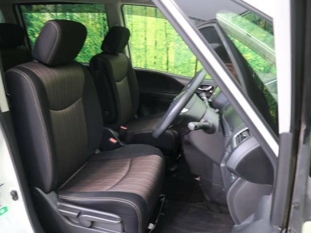 ●【ブラックモケットシート】座り心地も良く気温にあまり左右されない快適なシートです♪