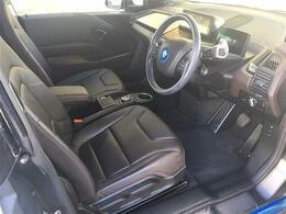 BMWiインテリアSUITE(レザーシート/シートヒーター/ユーカリ・ウッドトリム)/ハーマンカードンスピーカー/純正ナビ/クルーズコントロール/バックカメラ/ドライブレコーダー/保証書/取説/HV