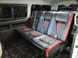 5型ハイエースワゴンベース、フィールオリジナルトランスフォームVer.8タイプ1!バタフライレボ2脚ロングスライドレール!フロア加工!乗車定員は公認取得により8名です☆