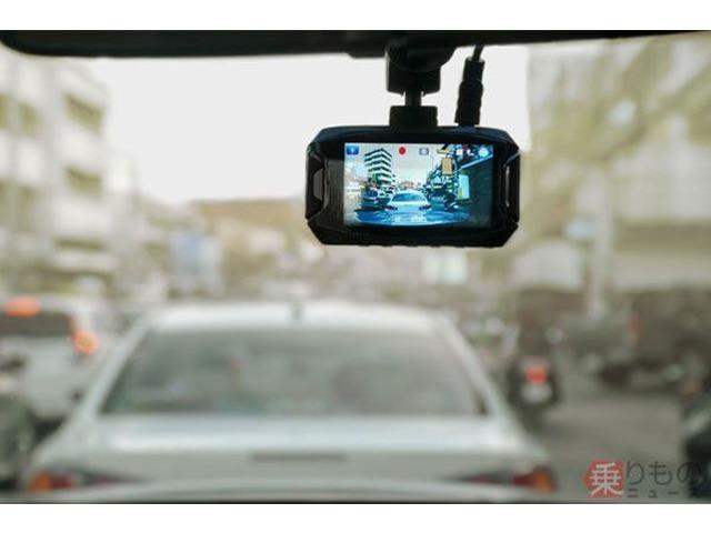Bプラン画像:運転中に周囲の状況を記録するドライブレコーダーの需要が高まっています。この機会に是非!!※写真はイメージになります。