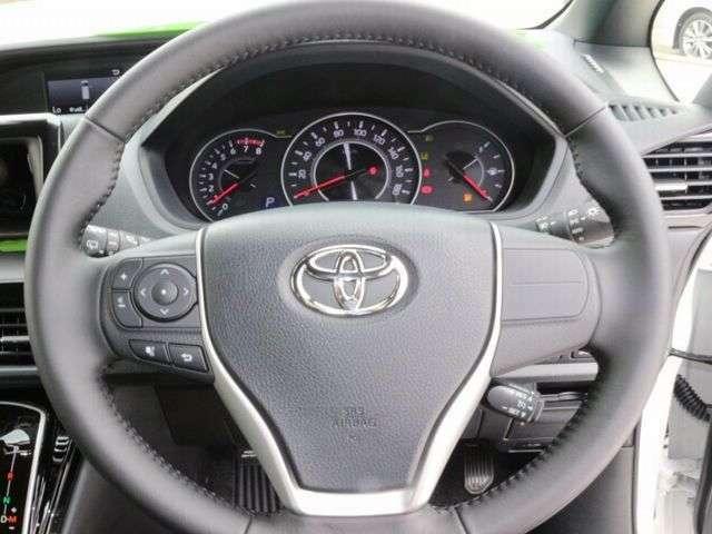 長距離の運転や高速道路の運転もサポート☆便利なクルーズコントロールも標準装備☆