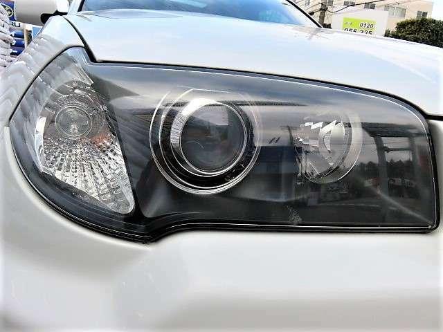 ヘッドライトはHID♪より明るくより遠くを照らしてくれます♪ライトレンズもしっかりとクリアが残ってきれいですよ♪ヘッドライトがきれいだと車のイメージも良くなりますね♪