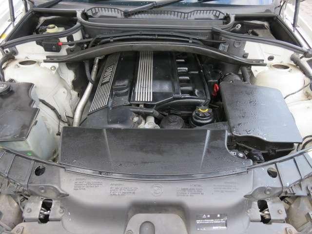 調子の良いエンジン♪2500CCで余裕の走りです♪タイミングチェーン採用なので10万キロ前後でのタイベル交換の必要もありません♪