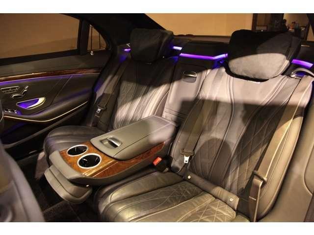 アンビエントライトもマルチに選択でき、気分に合わせて変更したりとインテリア空間も大事にされております。