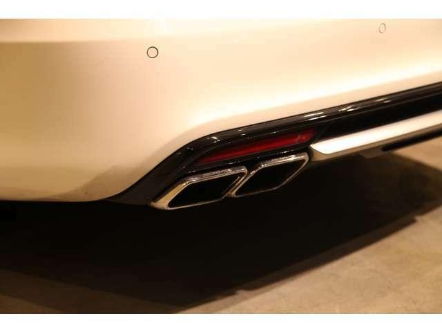 AMGのエキゾーストノーストは、力強く走るイメージにピッタリですね。