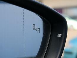 ●ブラインドスポットディテクション:視角からの車を感知し、ドライバーが車線変更を行う際に、警告音と共に注意を促してくれる安全機能です!