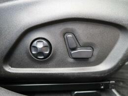 ●パワーシート:フルパワーシートだから座席調整も楽々♪お好みのシートポジションで、ストレスないドライブをお楽しみください。
