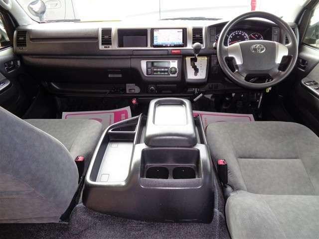 プライバシーガラス・バックドアイージークローズ!SDナビ・フルセグTV・バックカメラ・ETC!全席シートベルト!クリーニング済みの綺麗な運転席!ワイドボディー&ハイルーフならではの広大な空間!
