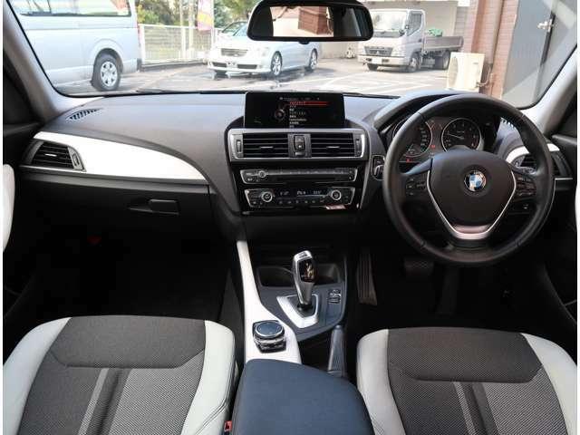 走行距離19911km 28年式 グレード 118dスタイル 2000cc 2WD 保証書 取扱説明書 外装色ブラウン 内装色クロ タイヤ溝あります。車検整備付き 総合評価5点中4.5点